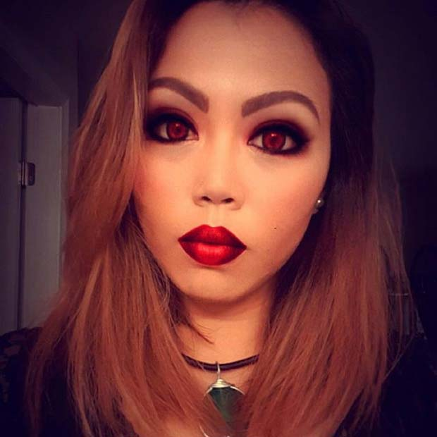 Easy Vampire Makeup for Easy Halloween Makeup Ideas