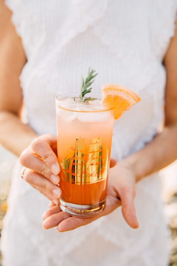 a grapefruit and lime refresher is a great signature drink for your tropical or just summer wedding