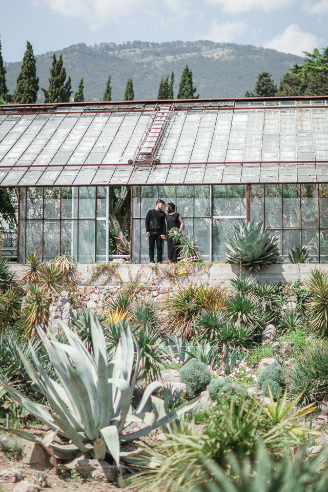 Cactus greenhouse love session