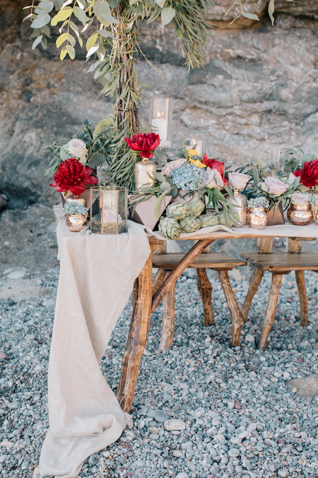 Neutral, green, and red tablescape