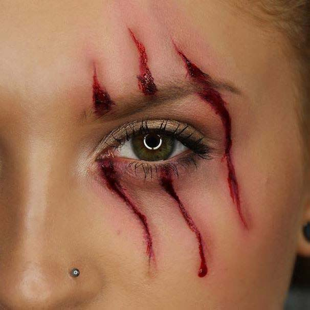 Scratch Mark Makeup for Easy Halloween Makeup Ideas