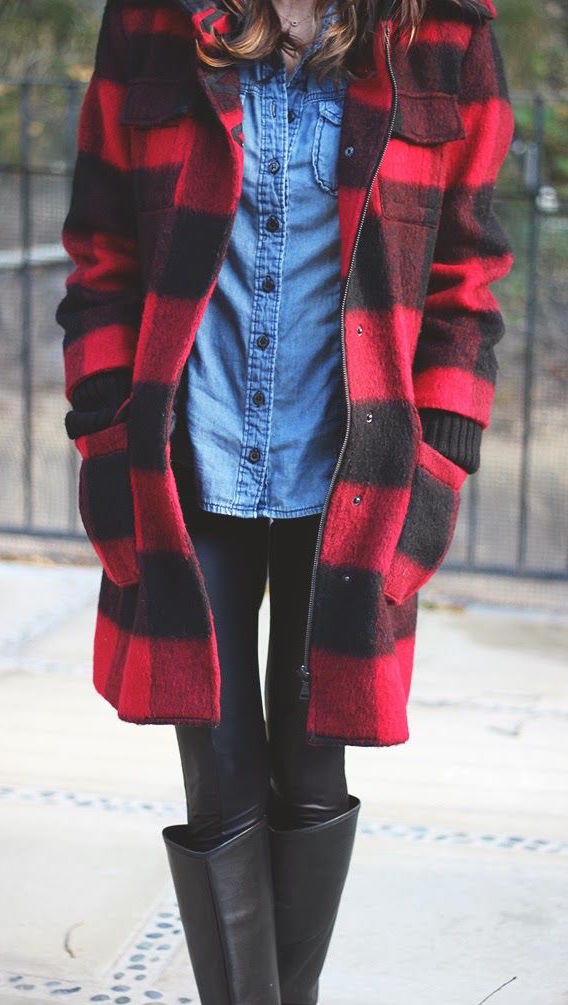 street-style-plaid-coat-1 Top 70 Fall Outfits for Teen Girls to Copy This Year
