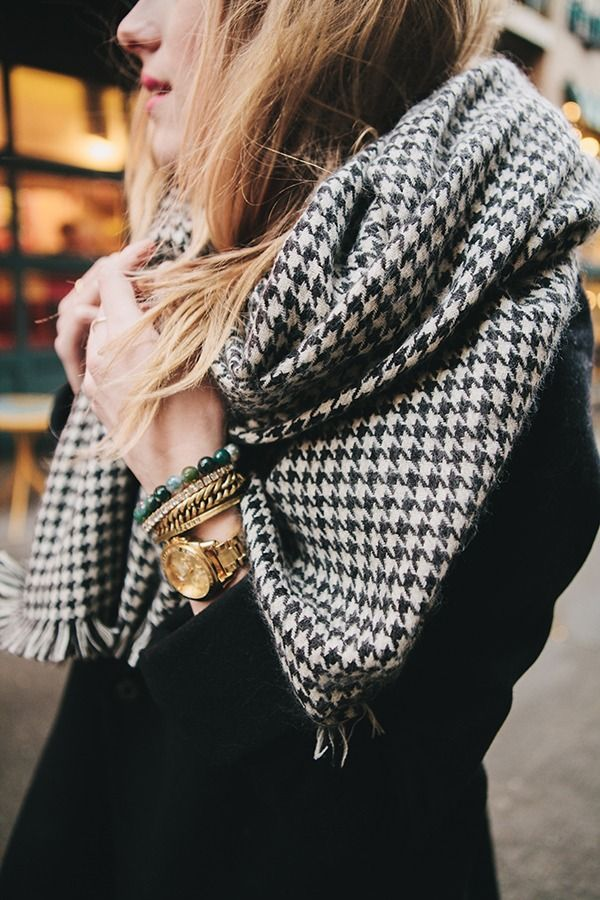 street-style-houndstooth-scarf-1 Top 70 Fall Outfits for Teen Girls to Copy This Year