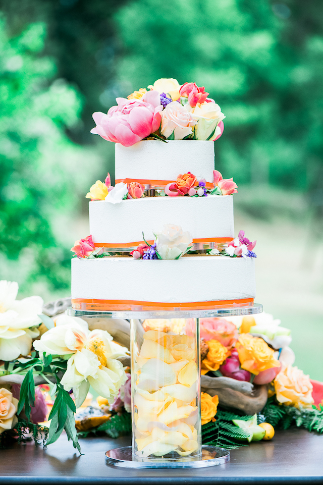 Citrus colored cake