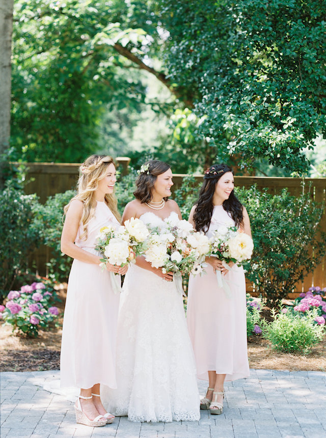 Southern wedding with incredible foraged floral designs