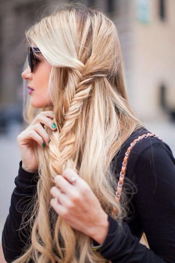 a half updo with a side fishtail braid can be made right on the run