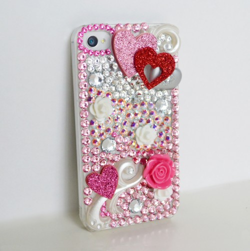 4-A-Glossy-and-Glittery-Phone-Case 17 Cool Gifts for Teen Girls to Win Her Heart
