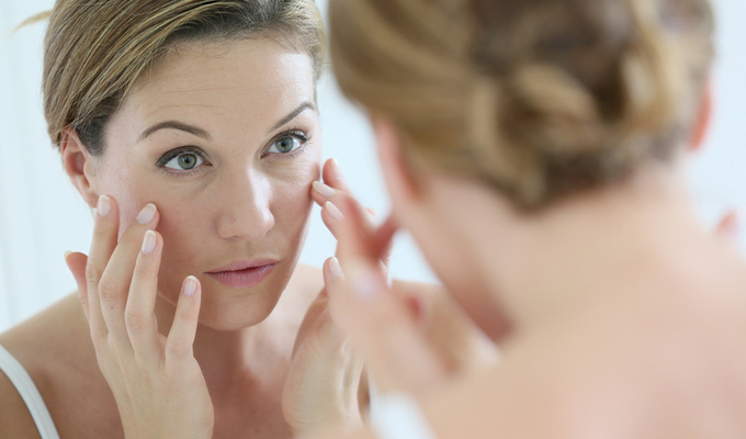 How to use retinol for acne and wrinkles | Retinol skincare tips to avoid irritation