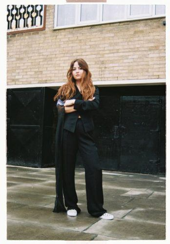Oversized-Pants-are-Complicated-348x500 Oversized Styles- 30 Ideas on How to Wear Oversized Clothes