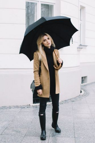 def4def57df26e92bc08247653e900ef-winter-outfits-coat-rainy-outfit-spring-334x500 25 Ideas on what to wear to work when its raining