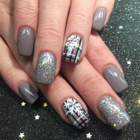 grey nails with glitter ones and plaid snowflake ones for those who love neutrals