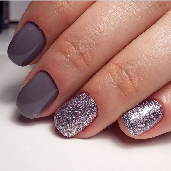 grey manicure and silver glitter accent nails to pair it with