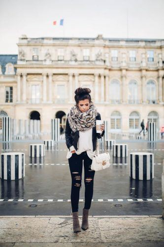 ffaadc1450664dd3ee780edcb56bad08-winter-outfits-paris-travel-outfits-winter-333x500 25 Ideas on what to wear to work when its raining
