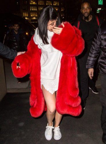 Over-sized-Fur-Coats-for-Fall-369x500 Oversized Styles- 30 Ideas on How to Wear Oversized Clothes