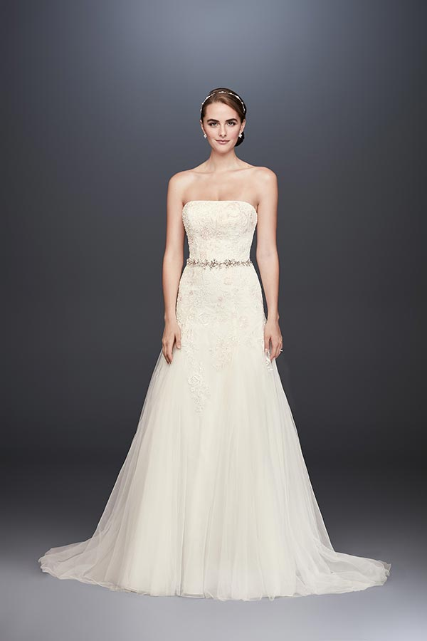 4 Wedding Dress Trends We're Fully Embracing with David's Bridal #weddingdresses #laceweddingdresses #weddingdressunder1000