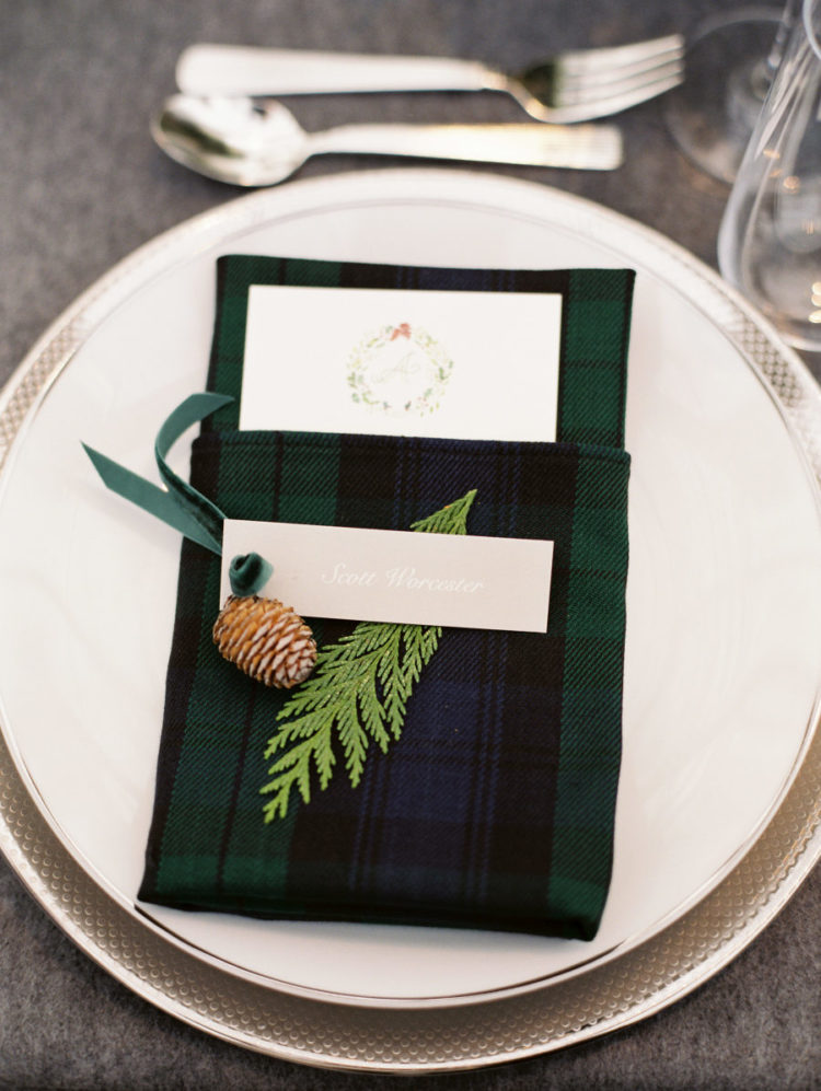 Black watch tartan loved by Ralph Lauren was widely incorporated into the decor