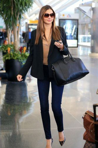 Celeb-Style-Buisness-Denim-Pants-333x500 Wearing Business Casual Jeans-21 Ways to Wear Jeans at Work