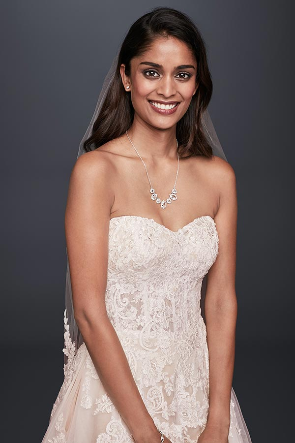 4 Wedding Dress Trends We're Fully Embracing with David's Bridal #weddingdresses #laceweddingdresses #weddingdressbudget #2018weddingtrends