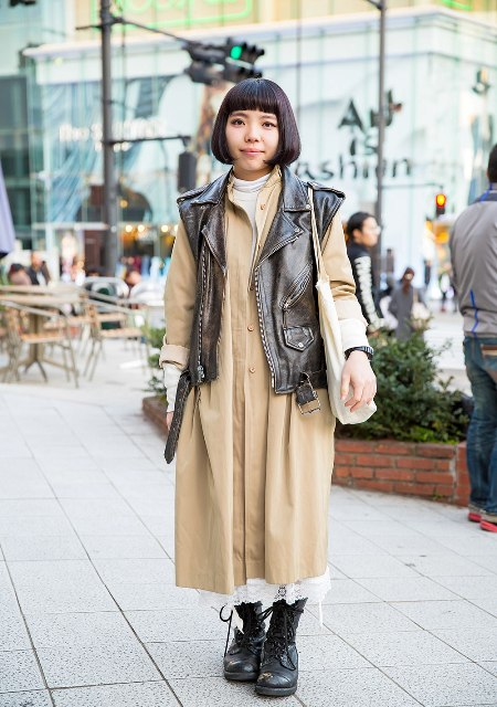 With beige midi dress, high boots and white tote