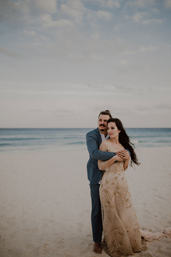 Romantic Cancun Portrait Session You Have To See #tropicaldestinationweddings #weddingdresseswithcolor #portraitsessionposes