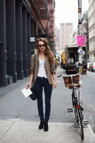 Skinny-Girl-Attire-with-Office-Jeans-333x500 Wearing Business Casual Jeans-21 Ways to Wear Jeans at Work