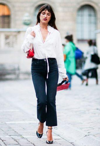 Vintage-Blouse-with-Office-Jeans-342x500 Wearing Business Casual Jeans-21 Ways to Wear Jeans at Work