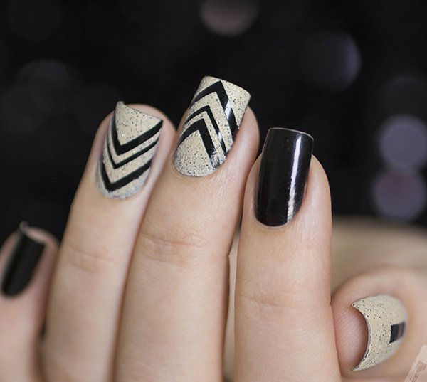 preto-white-noise-.-mixtape-nails Winter Nail Art Ideas - 80 Best Nail Designs This Winter