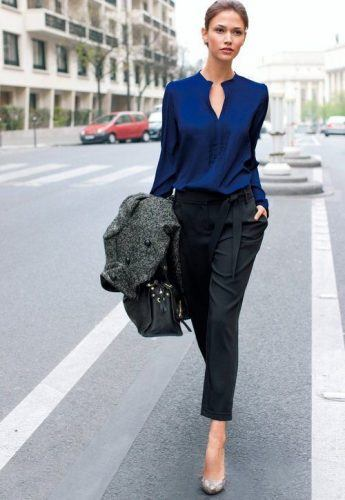 Office-Look-with-Cropped-Pants-345x500 Wearing Business Casual Jeans-21 Ways to Wear Jeans at Work