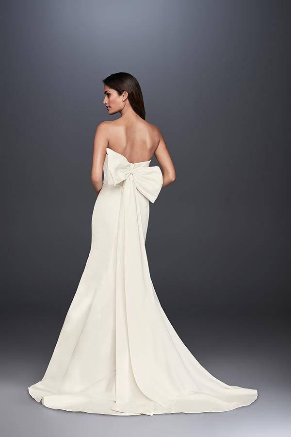 4 Wedding Dress Trends We're Fully Embracing with David's Bridal #weddingdresses #laceweddingdresses #davidsbridal #weddingdresstrends