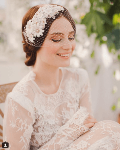 Luxe-Floral-Veil-402x500 Bridal Birdcage Veil- 20 Best Ideas on How to Wear Cage Veil