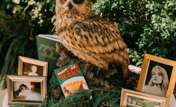 This wedding was themed as Twin Peaks and was inspired by various creations of David ynch