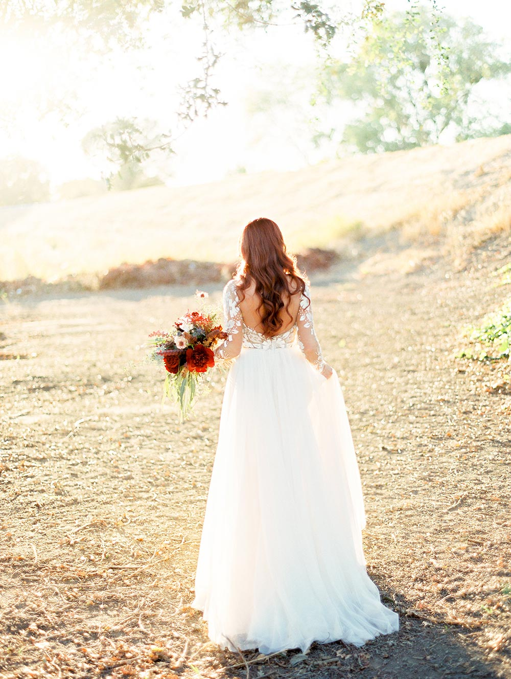 This Brides Hayley Paige Gown Is To Die For #californiavineyardwedding #sacramentobrides #hayleypaigeweddingdresses