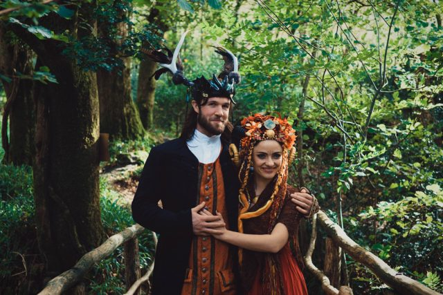 This couple are two real geeks and artists who went for a unique wedding in a hobbit village