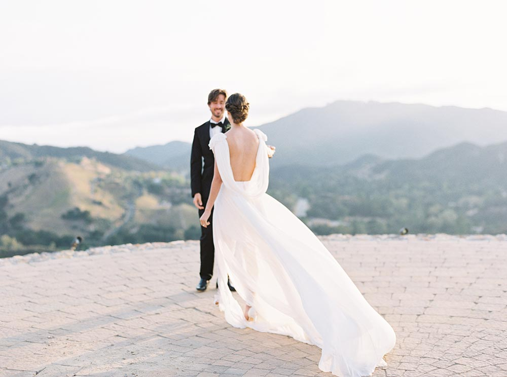 Soft and Romantic Malibu Wedding Inspiration #malibuwedding #weddingvenues #californiawedding