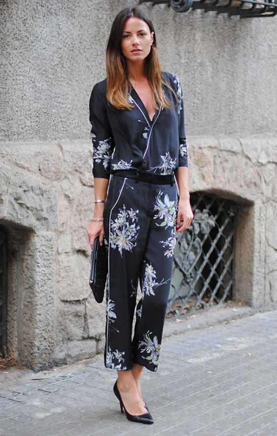 stop wearing pyjamas-like outfits to outdoors, this isn't in trend