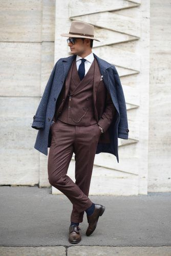 Perfect-Shoes-to-Wear-with-a-DB-Classy-Suit-334x500 25 Ideas on How to Wear Double-Breasted Suits for Men