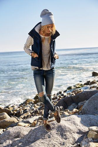 autumn-classic-look-fall-lookbook-sperry-1468763834l8c4p-333x500 26 Best Boating Outfit Ideas for Girls-What to Wear On a Boat