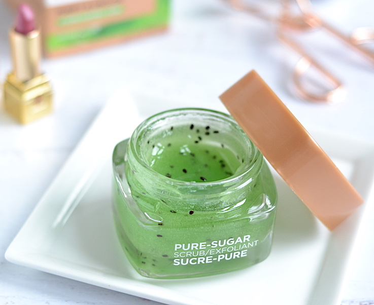 Infused with a blend of 3 pure sugars plus real kiwi seeds, L'Oreal Pure Sugar Purify & Unclog Face Scrub is the perfect pick-me-up for dull, dry skin! It exfoliates deeply and unclogs pores while being gentle and hydrating.