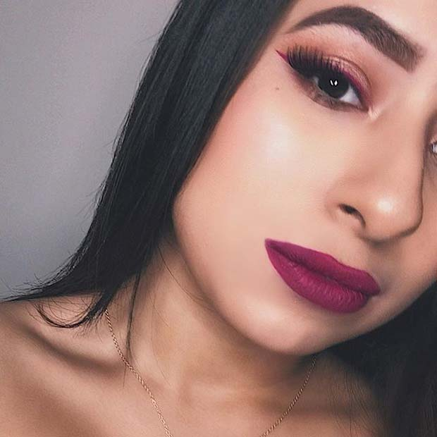 Purple Eyeliner and Purple Lip Color Makeup Idea for Spring