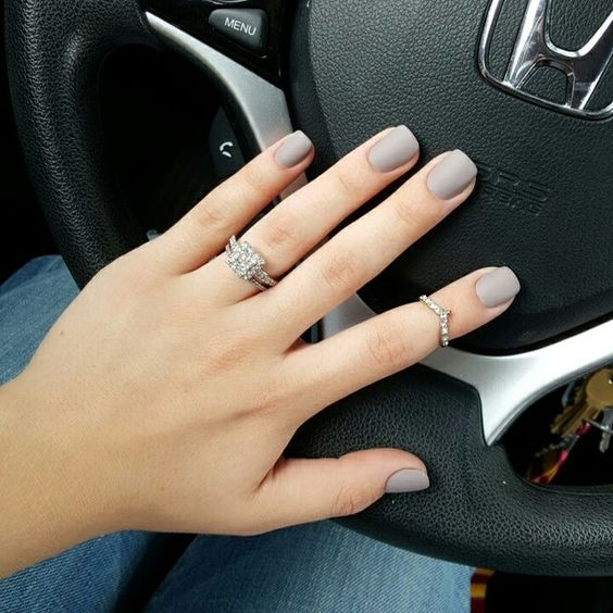 matte grey nails are perfect for many work spaces, they are neutral and stylish
