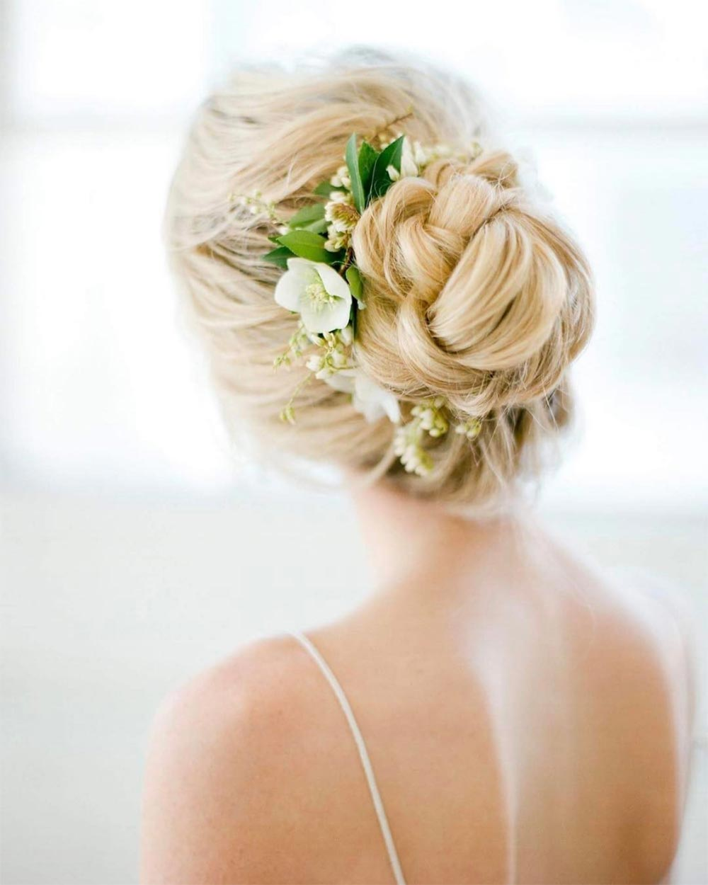 loose bun wedding hairstyle