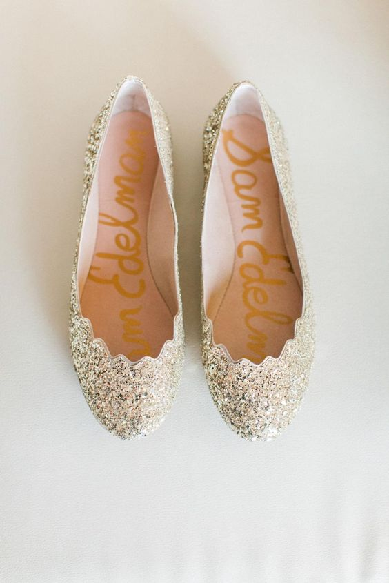 gold glitter flats with a scalloped edge for a shiny touch