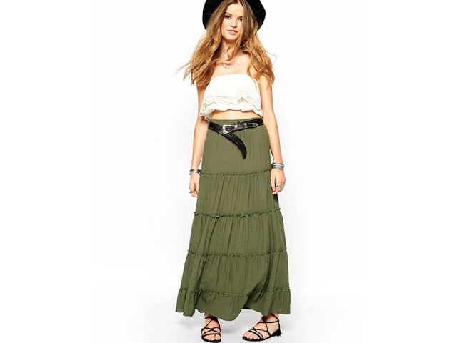 With white top, wide brim hat and lace up sandals