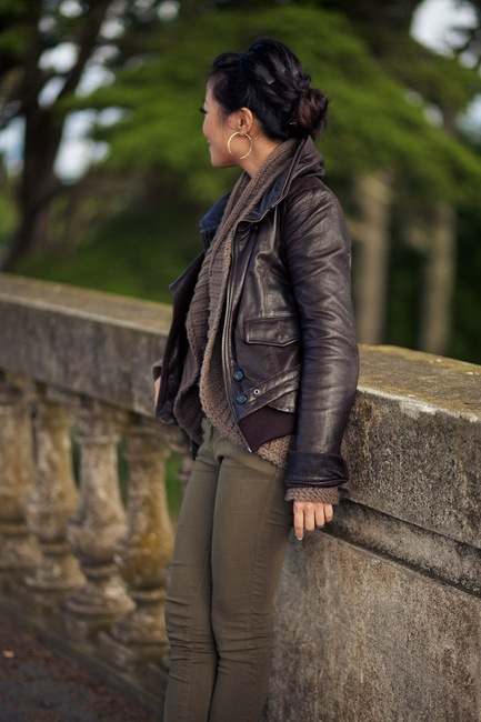 Leather-Bomber-Jacket1 21 Best Leather Bomber Jacket Outfits for Women