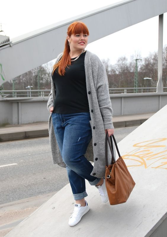 blue boyfriend jeans, a black tee, a grey long cardigan and white sneakers for a comfy look