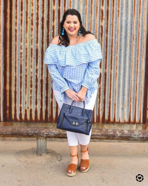 Plus-Sized-Easter-Outfit23 23 Best Easter Outfits for Plus Size Women 2018