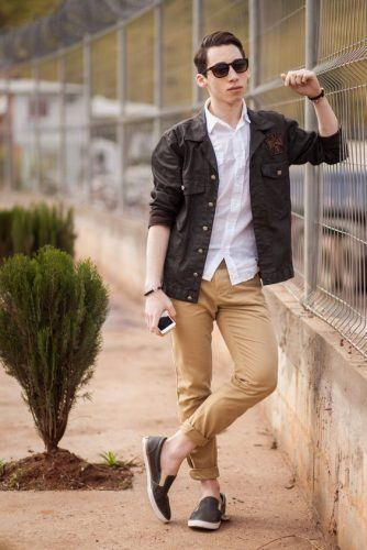 Khaki-Jeans-and-Black-Loafers-334x500 12 Pro Tips for Men-How to Wear Black Shoes With Khaki Pants