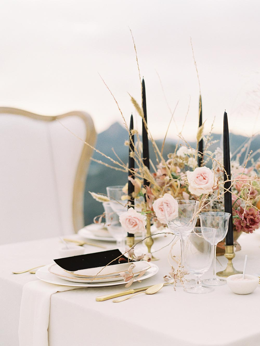 modern black and dusty rose wedding table