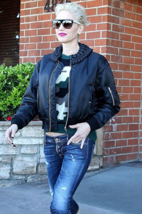 Leather-Bomber-Jacket21-600x900 21 Best Leather Bomber Jacket Outfits for Women
