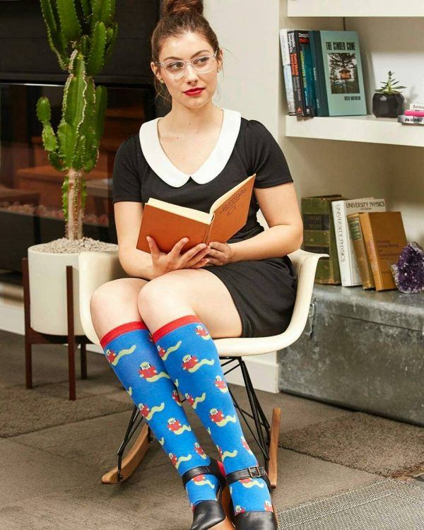 28427947_332927920551091_5548962562336358400_n-600x750 25 Ideas How to Wear Funky Colorful Socks for Women